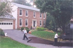 Asphalt Sealcoating Technicians in Grand Island NY